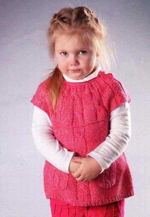 Вязание спицами туники для девочки по фото и видео мастер-классу