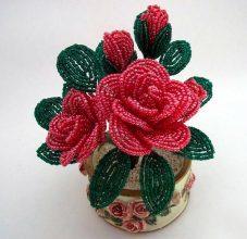 Тюльпаны из бисера в обучающем мастер-классе с фото и схемами плетения
