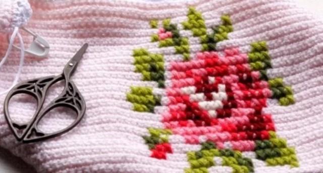 Вышивка на вязаных изделиях: изучаем швы и узоры (видео)