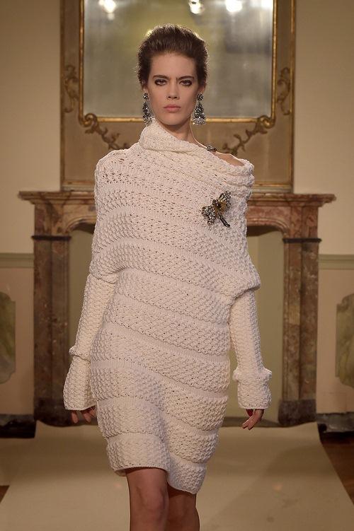 Вяжем стильный свитер крупной вязки по описанию и видео урокам