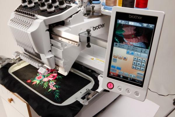 Пяльца для вышивания в разных техниках (фото)