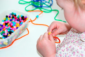 Схемы плетение из бисера для начинающих детей (фото и видео)