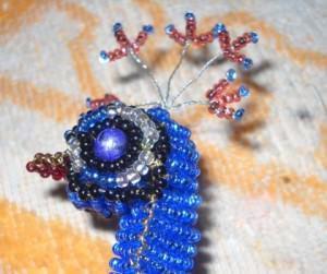 Павлин из бисера в пошаговых схемах плетения
