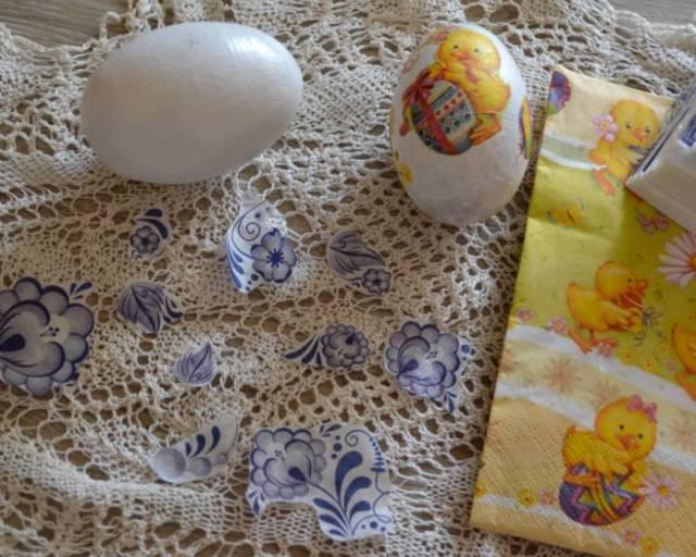 Декупаж яиц к Пасхе: уроки декора разных заготовок (фото)