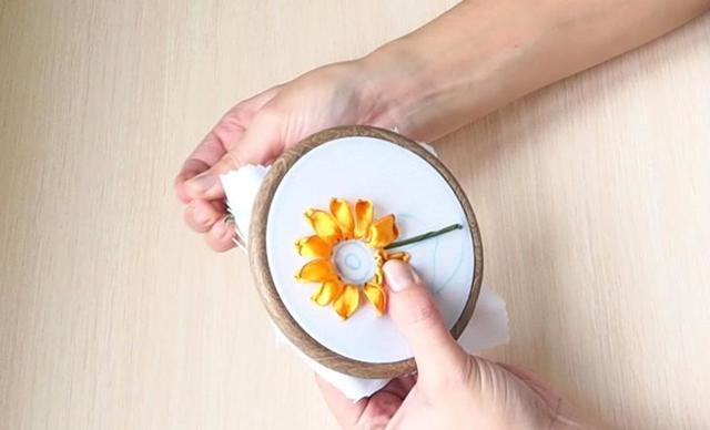 Вышивка лентами подсолнухи в фото и видео мастер-классах