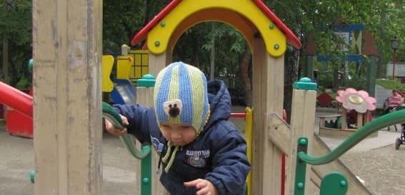 Шапка спицами для мальчика со схемами и описанием процесса работы