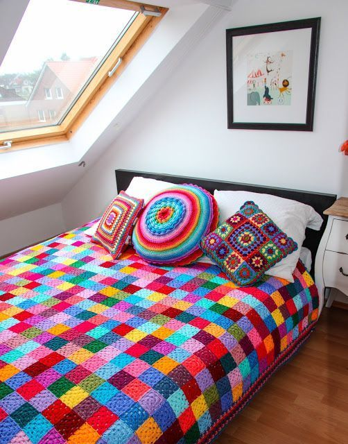 Вязание из остатков пряжи ярких изделий для дома и гардероба