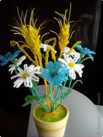 Клевер из бисера: учимся плести цветок с трелистником