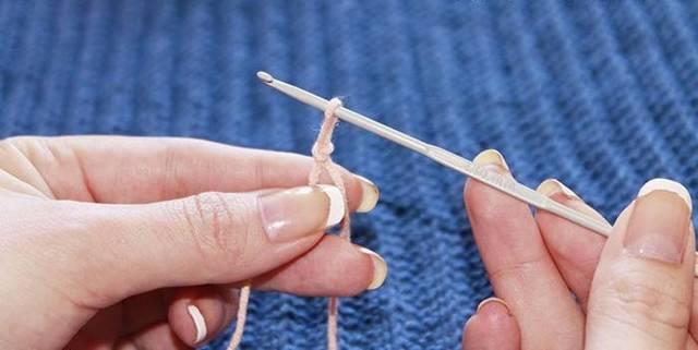Воздушные петли спицами и способы их набора в пошаговых мастер-классах