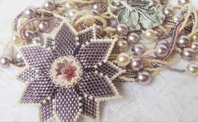 Плетение кулонов из бисера и бусин по фото и видео мастер-классам с подробными схемами
