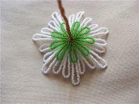 Хризантемы из бисера в фото и видео уроках со схемами для плетения цветка