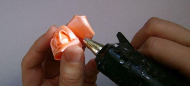 Канзаши брошь из лент своими руками (фото и видео)