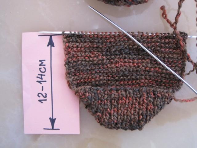 Вязание тапочек спицами с описанием по схеме и видео уроку